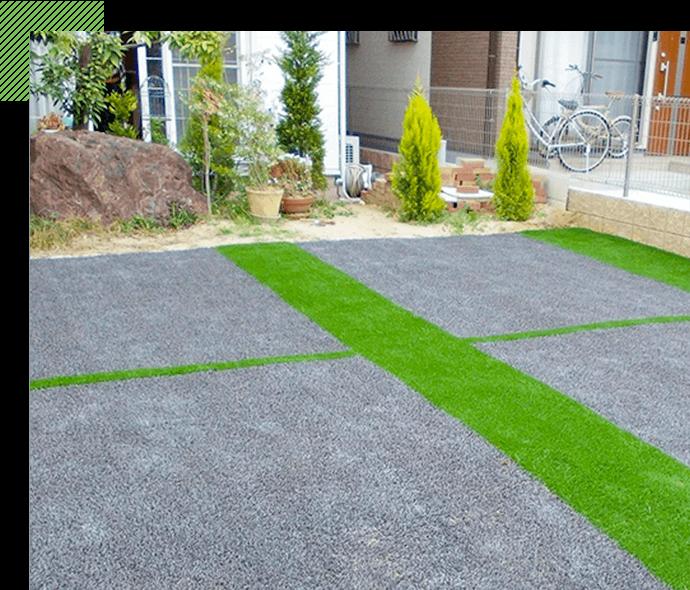 芝犬の人工芝は 駐車場にも施工できます