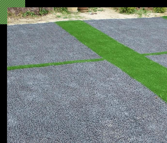 グレーの人工芝で スタイリッシュなお庭に